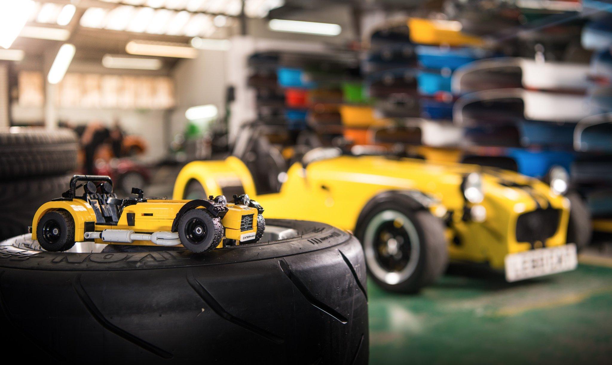 lego caterham   la nouvelle voiture sportive  school de lego ideas qui fait rever